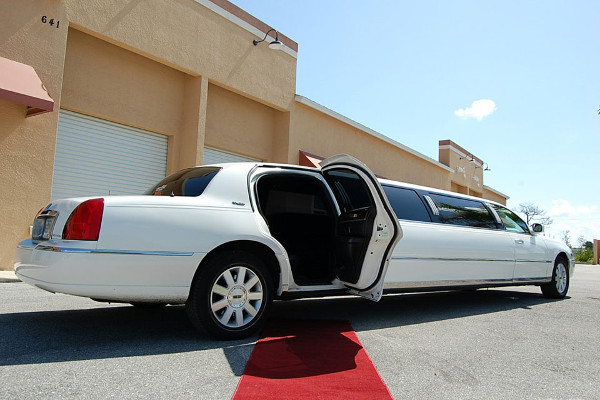 lincoln stretch limo New Orleans